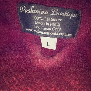 Other - Large 100% cashmere robe